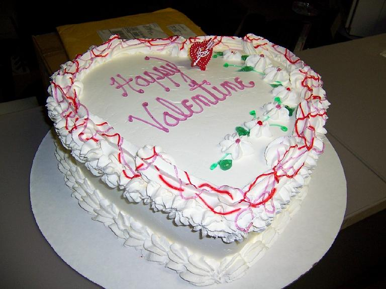 Heart Shaped Valentines Cake Images : Gimmie Some Cakes